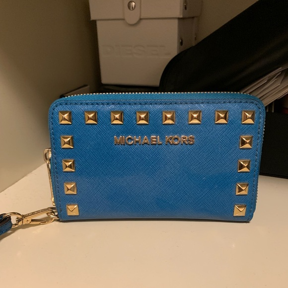 Michael Kors Handbags - Never used it